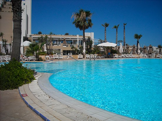 piscina malta