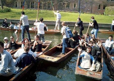 Cambridge_activities_puntingonthe